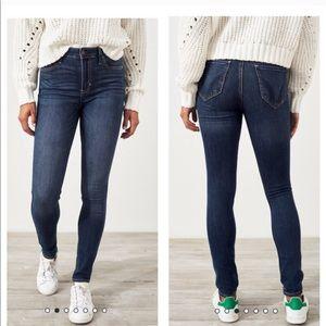 Hollister High Rise Super Skinny Ankle Length Jean